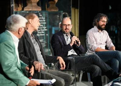 Gli autori sul palco