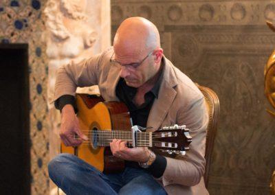 Accompagnamento musicale a cura di Massimo Ceravolo